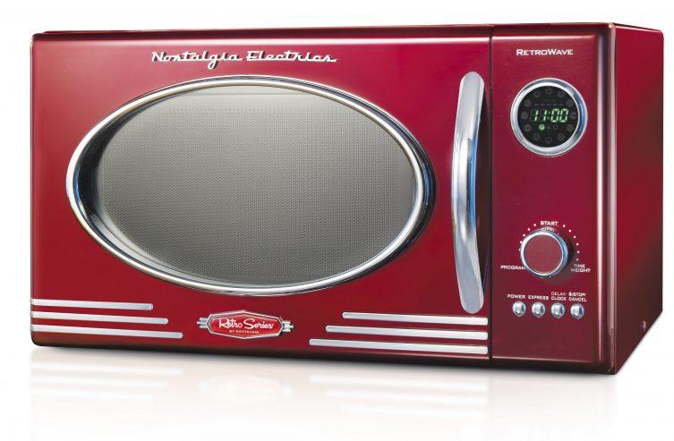 nostalgia-retro-09-cubic-foot-800-watt-countertop-microwave-oven-retro-red